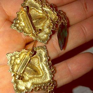 Jewelry - Vtg sweater chain gold purple and green gemstone